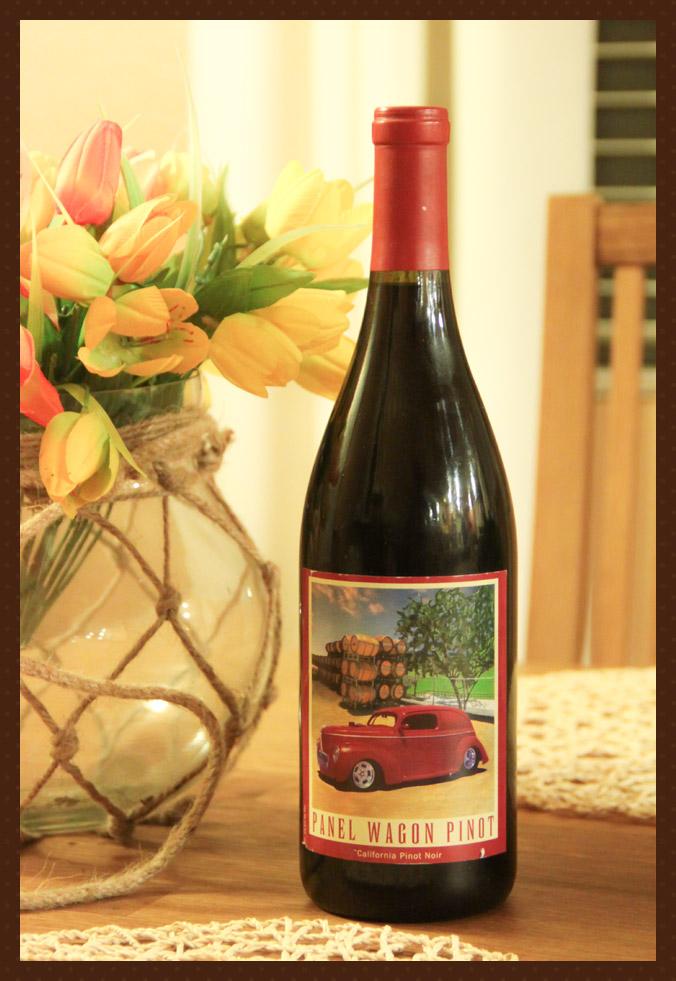 Panel Wagon Pinot